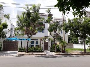 Cần bán biệt thự Phú Mỹ Hưng mới xây đường Lý Long Tường, gần trường SSIS