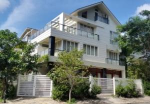 Cho thuê biệt thự Nam Thiên Phú Mỹ Hưng 2 mặt thoáng, đầy đủ tiện nghi, nội thất cao cấp