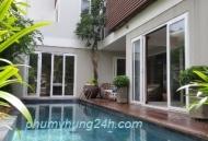 Biệt thự Phú Mỹ Hưng phong cách resort với hồ bơi-sân vườn đẹp kiêu sa dành cho chủ nhân thượng lưu